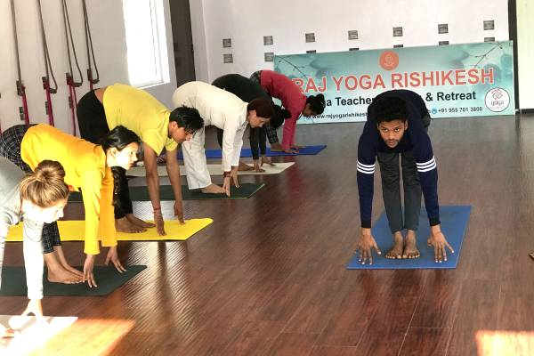yoga-class-at-raj-resort